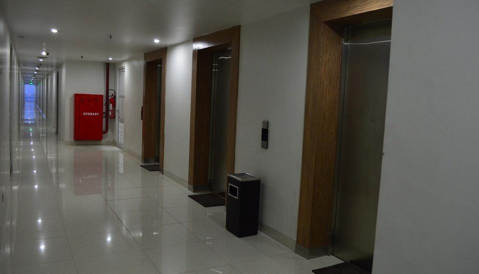 Win Grand Hotel Bekasi - Guest Lift