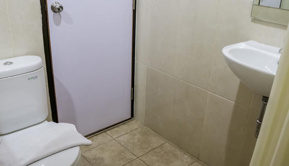 NIDA Rooms Pampang Raya Pulo Gadung Jakarta - Kamar mandi