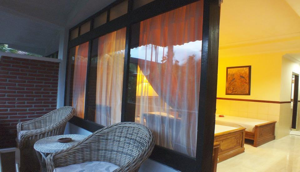 Palm Beach Hotel Kuta  - Teras