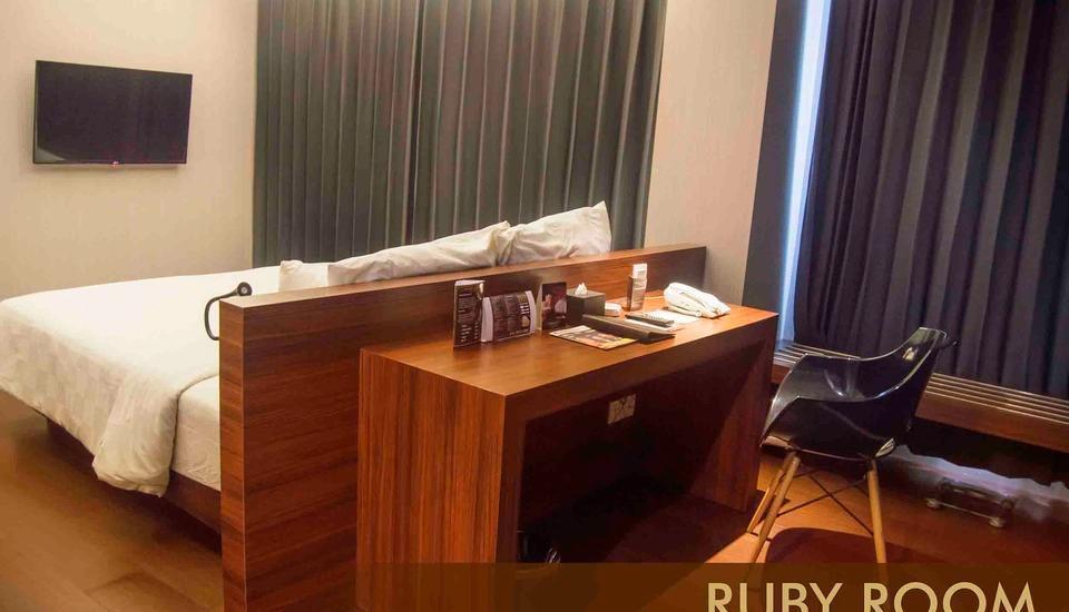 Crown Prince Hotel Surabaya - RUBY ROOM