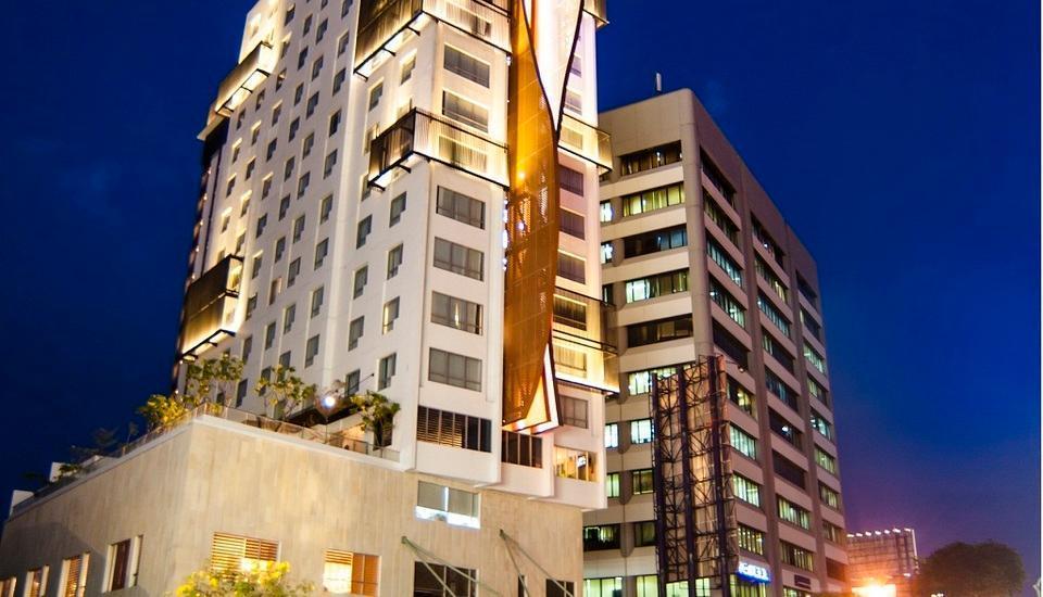 Crown Prince Hotel Surabaya - Building