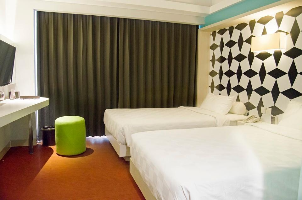 Crown Prince Hotel Surabaya - Cozy Twin