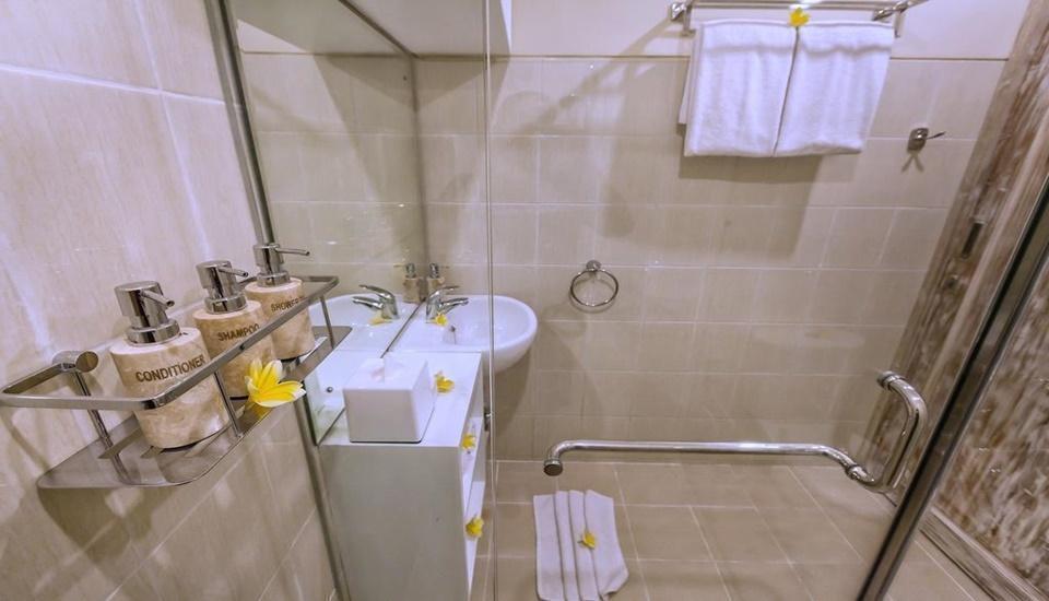 Tri Dewi Private Residence Bali - Bathroom