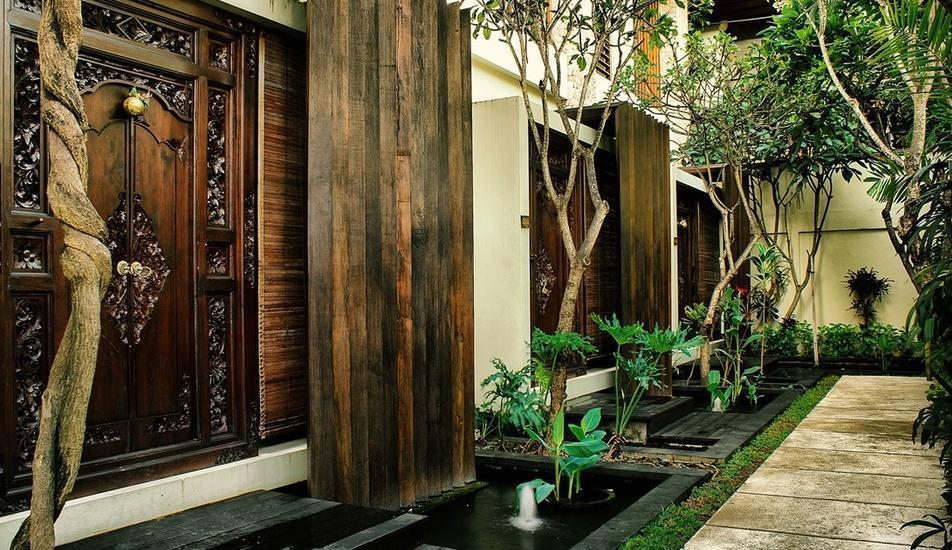 Kamuela Villas & Suites Sanur - One Bedroom Suite Entrance