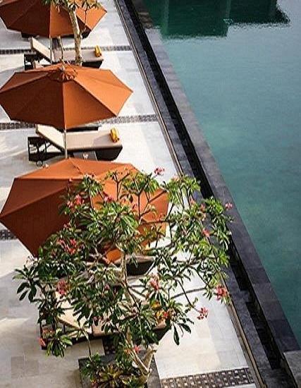 The Kana Kuta Hotel Bali - Kolam renang dari atas