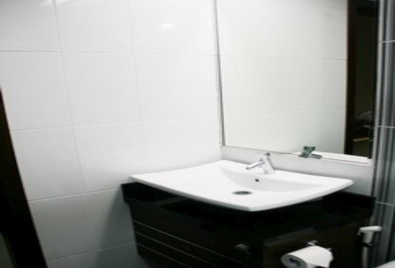 Hero Hotel Ambon - Toilet