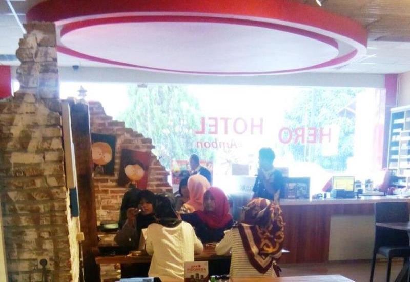 Hero Hotel Ambon - Bar