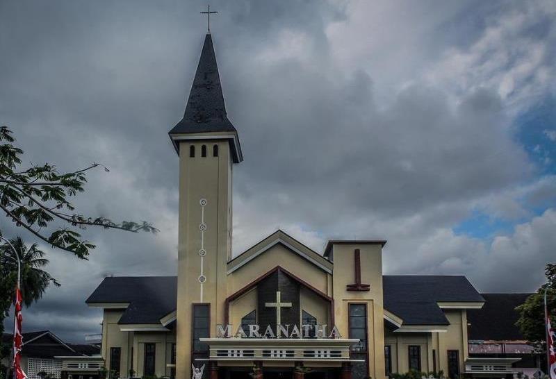 Hero Hotel Ambon - Gereja