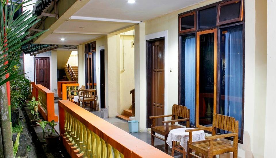 Kolongan Beach Hotel Manado - Teras