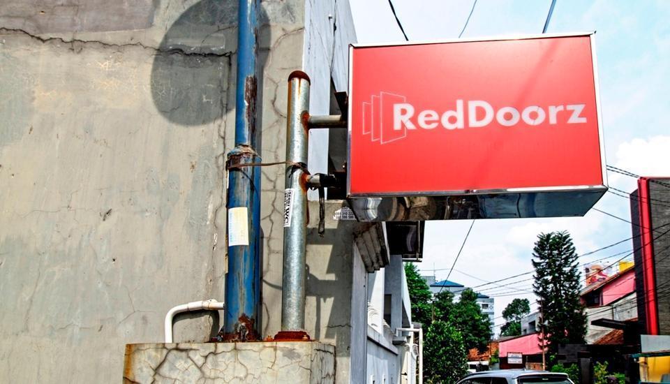 RedDoorz @Jempang Benhil - Logo