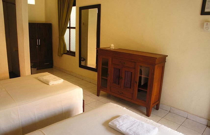 Yulia 1 Homestay Bali - Deluxe Double Room Regular Plan
