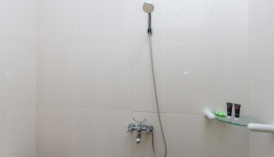 RedDoorz @Batur Sari Sanur Bali - Kamar mandi
