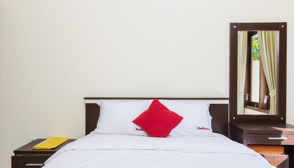 RedDoorz @Batur Sari Sanur Bali - RedDoorz Room Regular Plan