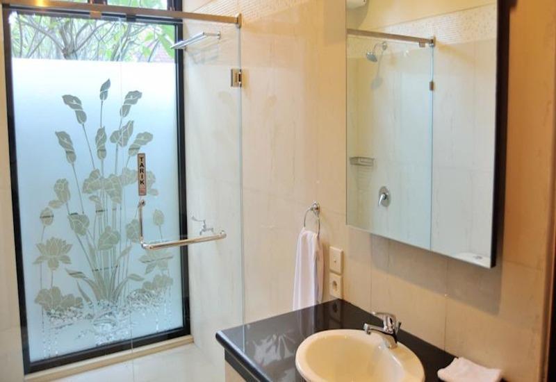 Safira Residence Bali - Kamar mandi