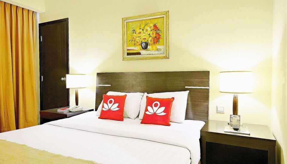 ZEN Premium Bandengan Selatan Jakarta - Ranjang Ganda