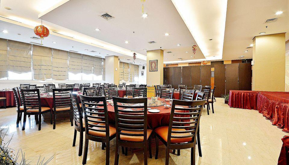 ZEN Premium Bandengan Selatan Jakarta - Restoran