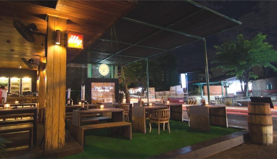 J Boutique Hotel Kuta - Beer Garden Kuta