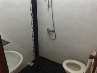 Hotel Olympic Surabaya - Standard  Bathroom