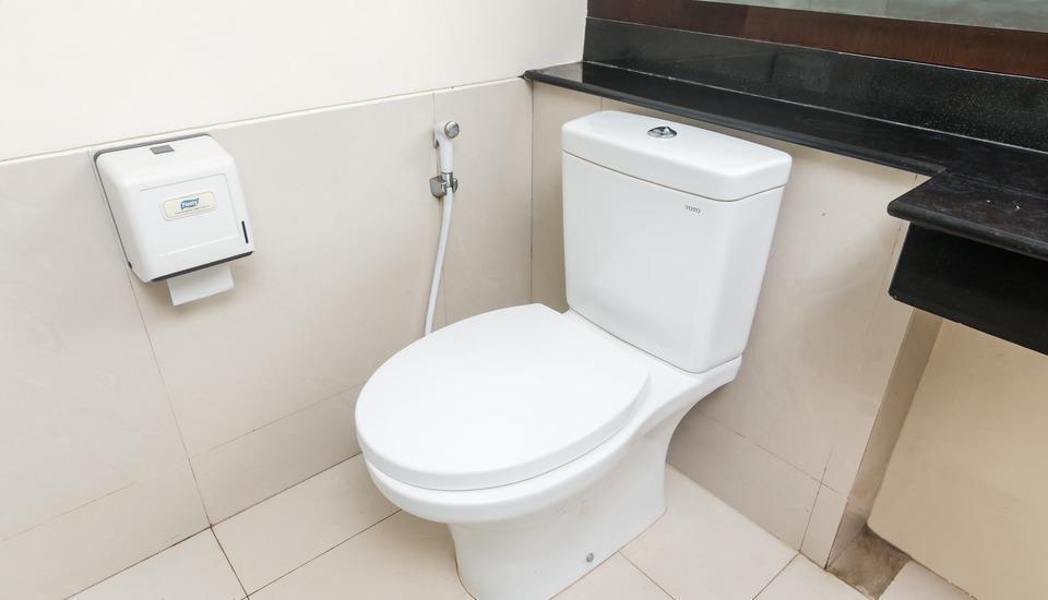 ZenRooms Legian Dewi Sri - toilet