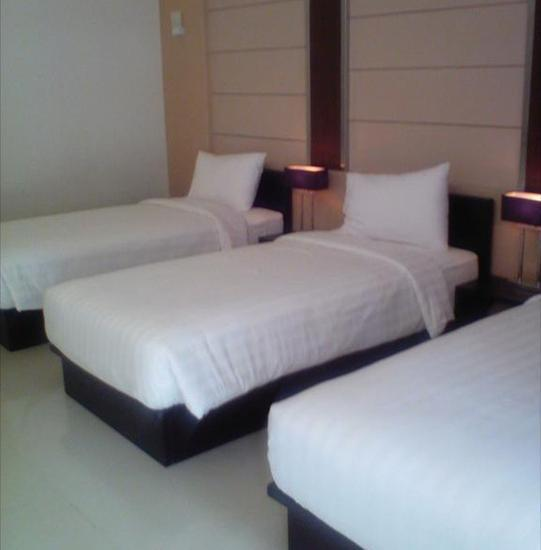 Zuri Resort & Convention Cianjur - D'Orchid Triple Bed