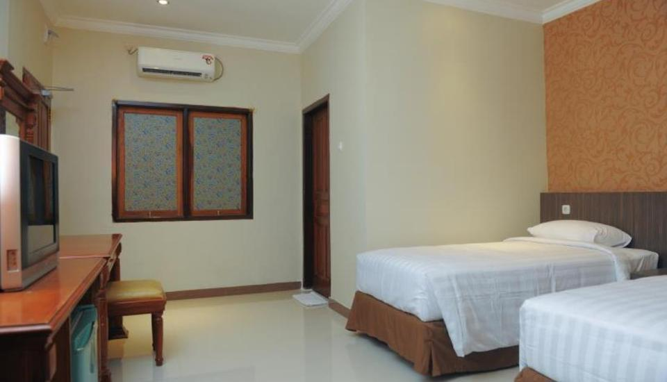 Sylvia Hotel Budget Kupang - Kamar tamu