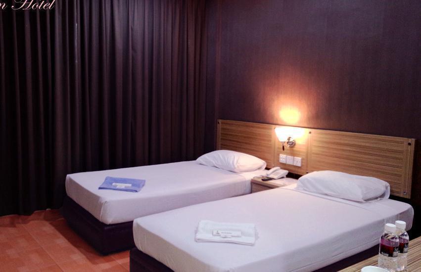 Halim Hotel Tanjung Pinang - Deluxe Twin Bed