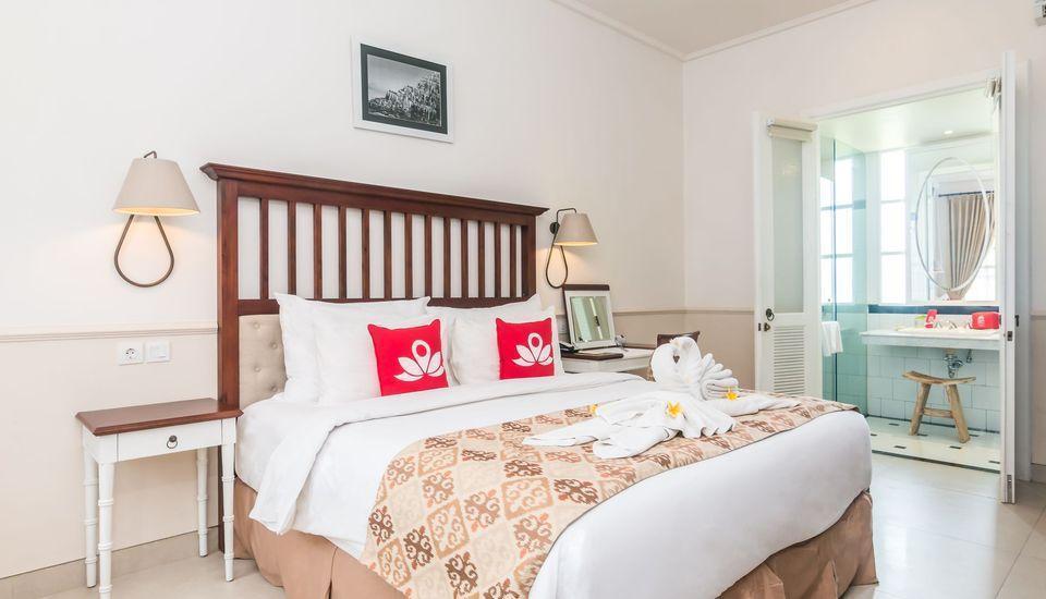 ZEN Premium Seminyak Laksamana Bali - Tempat Tidur Double