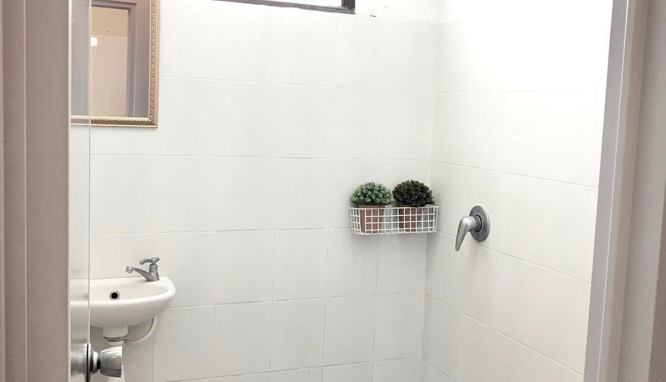 De'Pavilla Homestay Bali - Bathroom