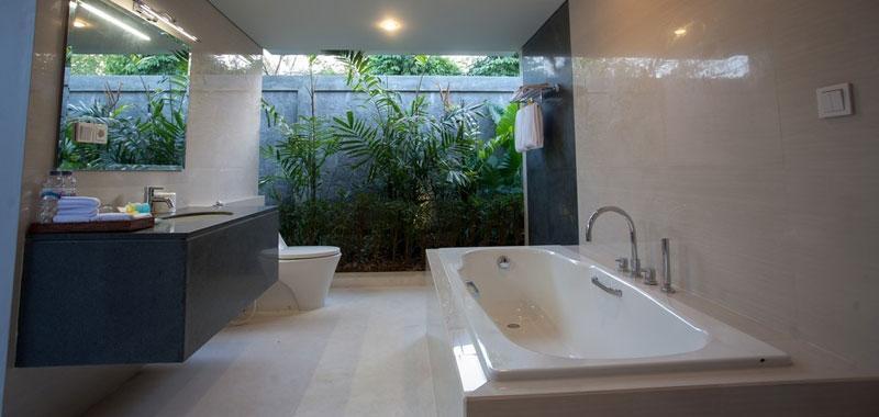 The Astari Villa Bali - Kamar mandi
