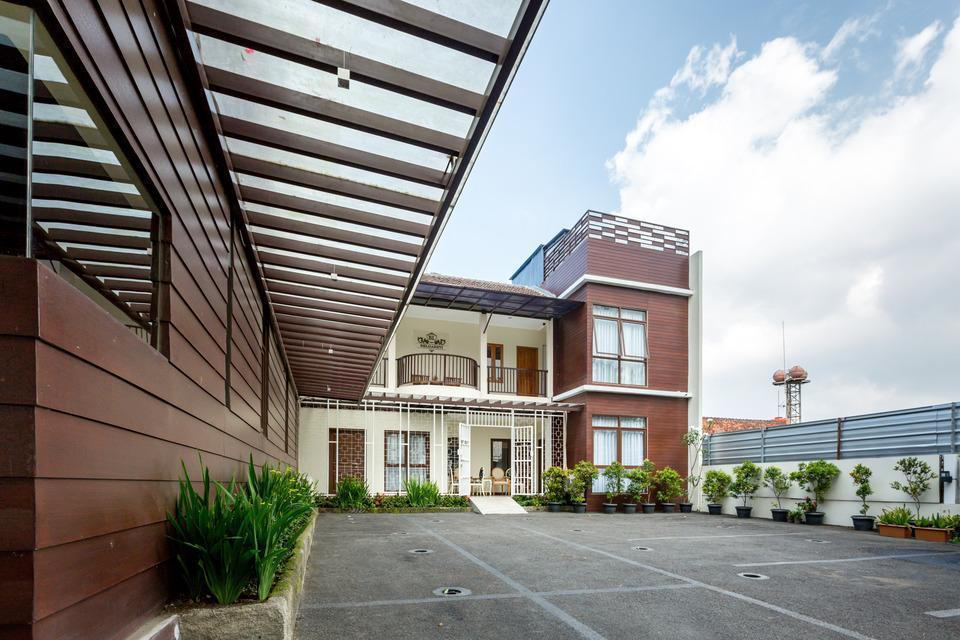 Jayagiri Guesthouse Bandung - Tampilan dari sudut jayagiri Guesthouse