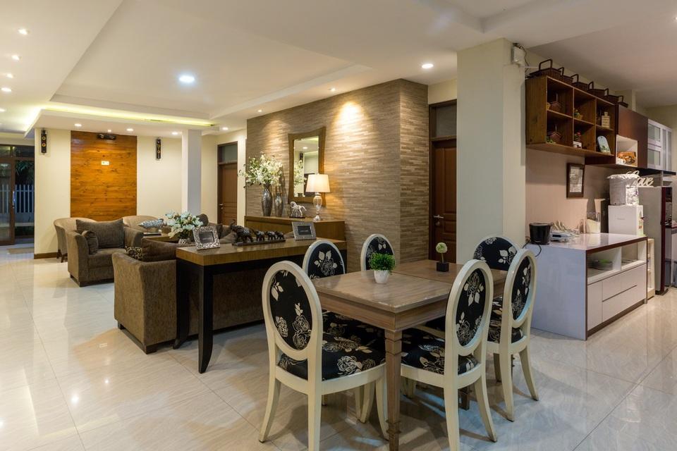 Jayagiri Guesthouse Bandung - Tempat makan dan lobby lantai 1
