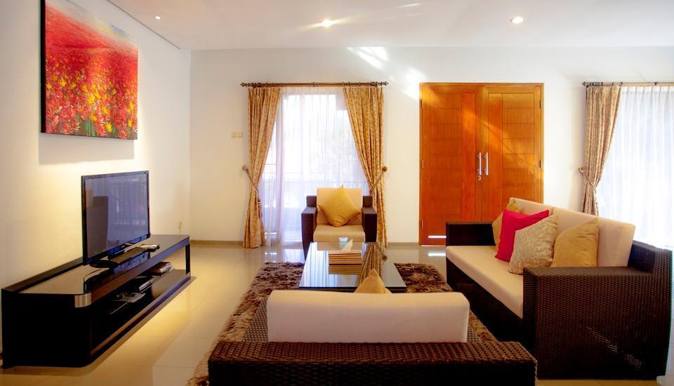 Kencana Villa Dago - 3 Bedrooms Private Villa - Hanya Kamar Regular Plan