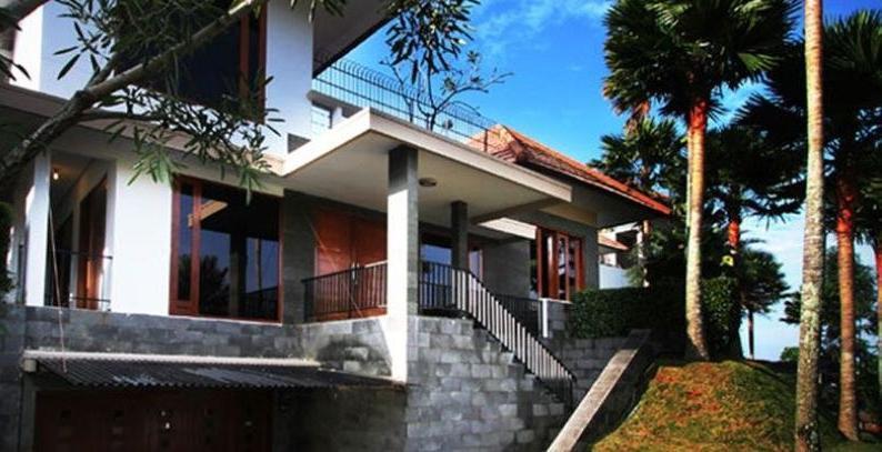 Kencana Villa Dago -