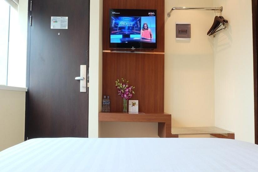 World Hotel Jakarta - Superior Twin Breakfast Regular Plan