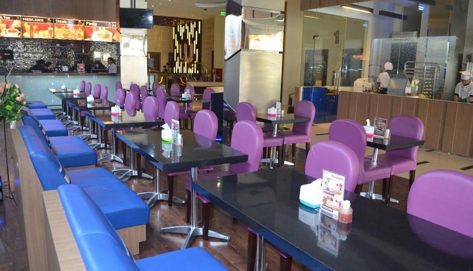 World Hotel Jakarta - Kafe