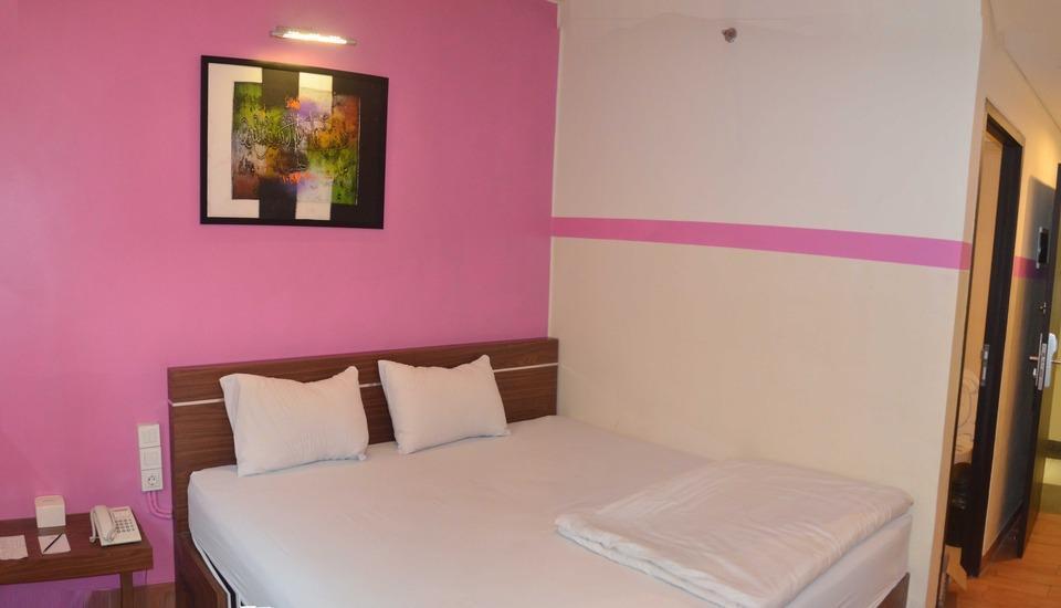World Hotel Jakarta - Superior Room