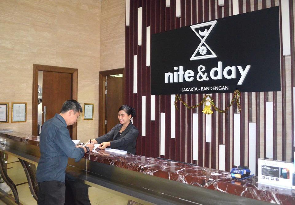 Nite & Day Jakarta Bandengan - Front Office