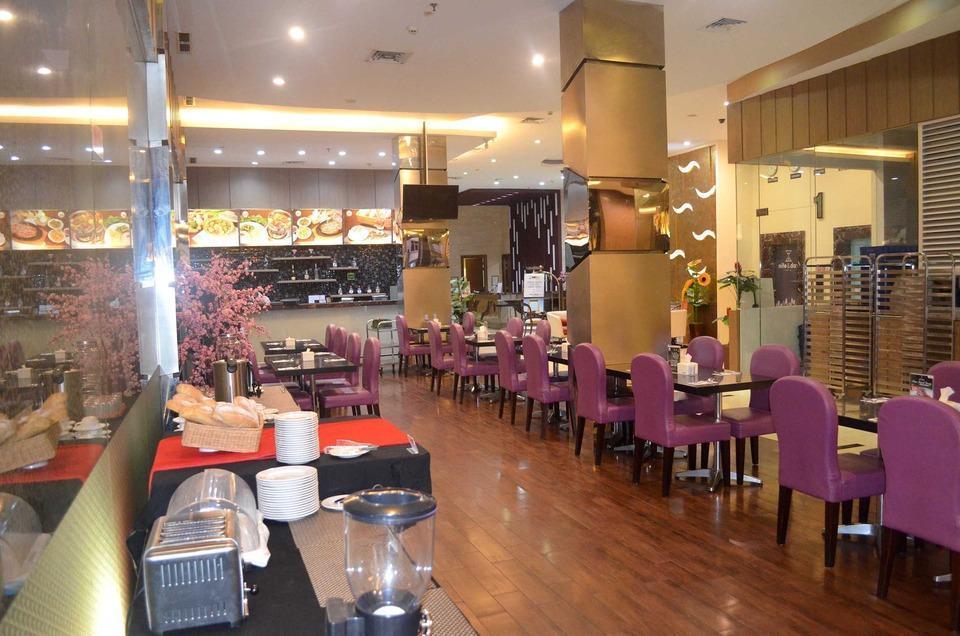 Nite & Day Jakarta Bandengan - Marnos Cafe