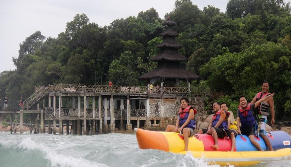 Turi Beach Resort Batam - Banana Boat