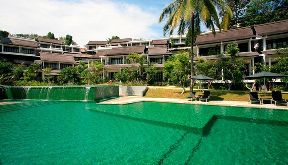 Turi Beach Resort Batam - Kolam Renang Emerald