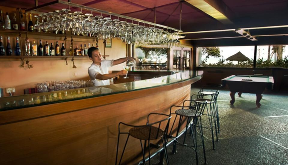 Turi Beach Resort Batam - Yatch Club Bar