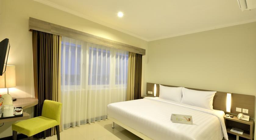 Whiz Prime Surabaya - Superior Double Room  Regular Plan