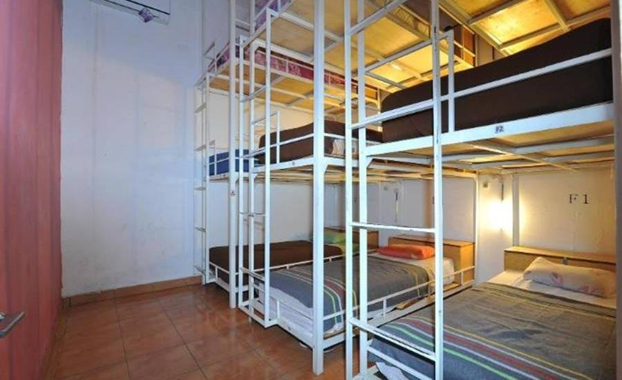 Bedbunkers Bali - 9 Bed Mixed Dormitory F Regular Plan