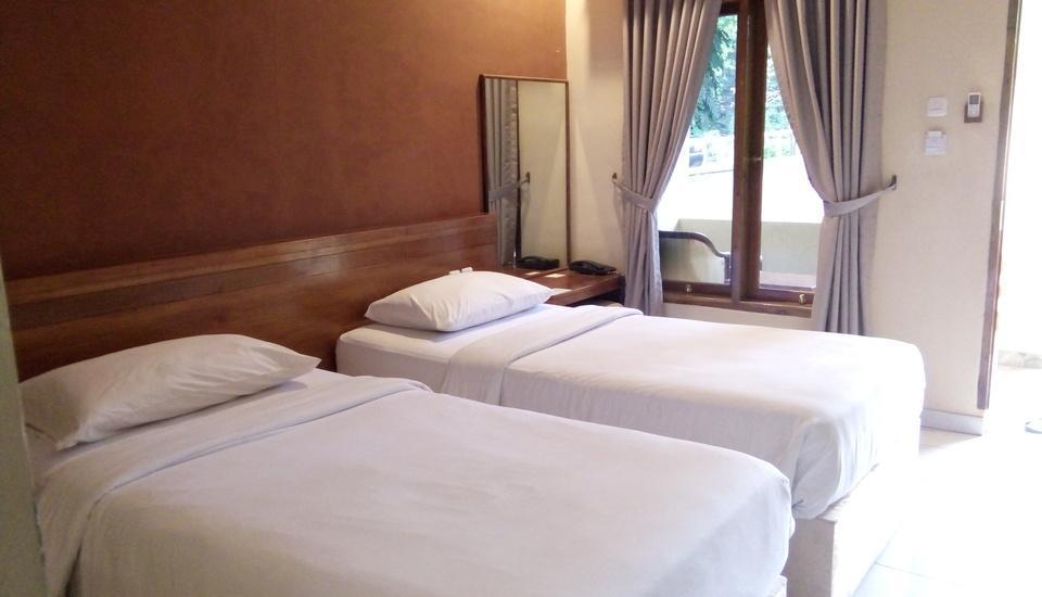 Bayu Amrta Hotel Sukabumi - Bedroom