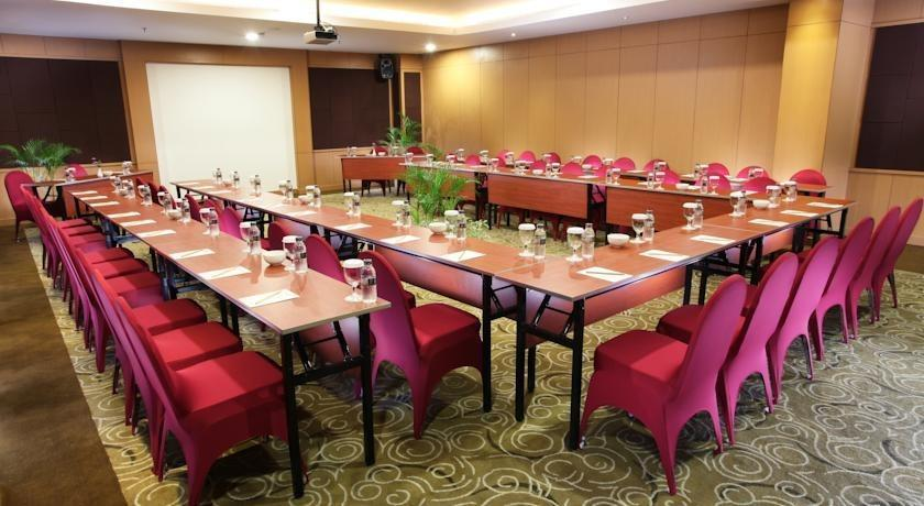 Swiss Belinn Makassar - Meeting Room