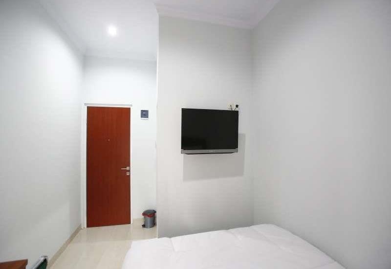 RedDoorz @Tebet Utara Jakarta - Reddoorz Room Special Promo Gajian