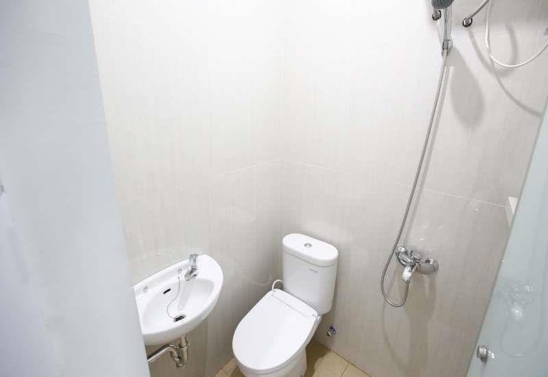RedDoorz at Tebet Utara - Kamar mandi