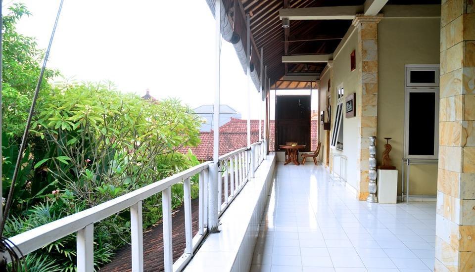 Nyima Inn Bali - Keluarga balkon