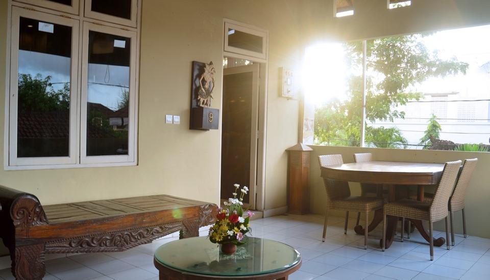 Nyima Inn Bali - Keluarga balcony1