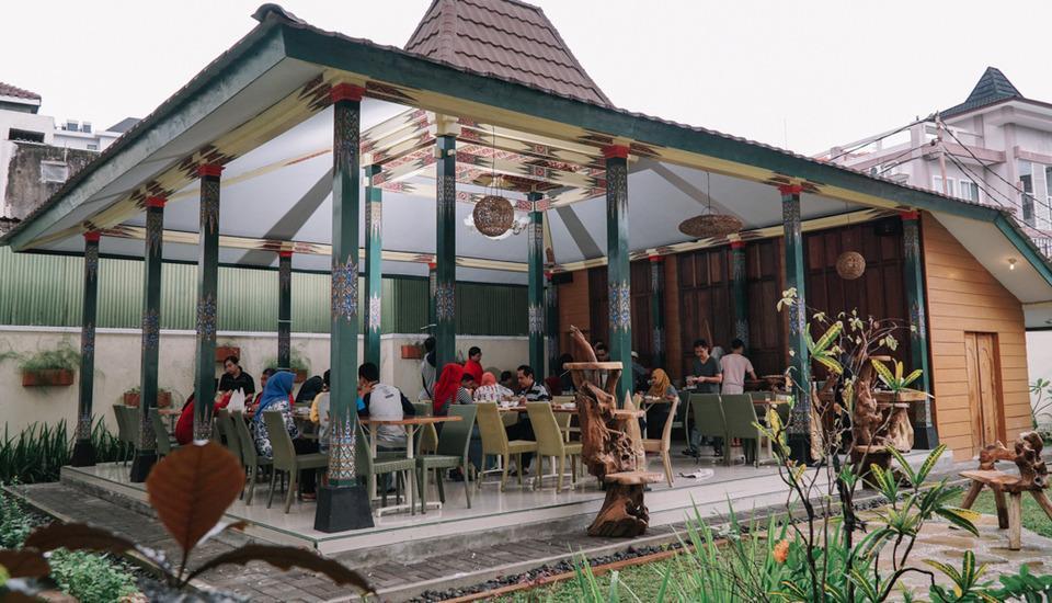 Summer Season Boutique Hotel Yogyakarta - Joglo Resto